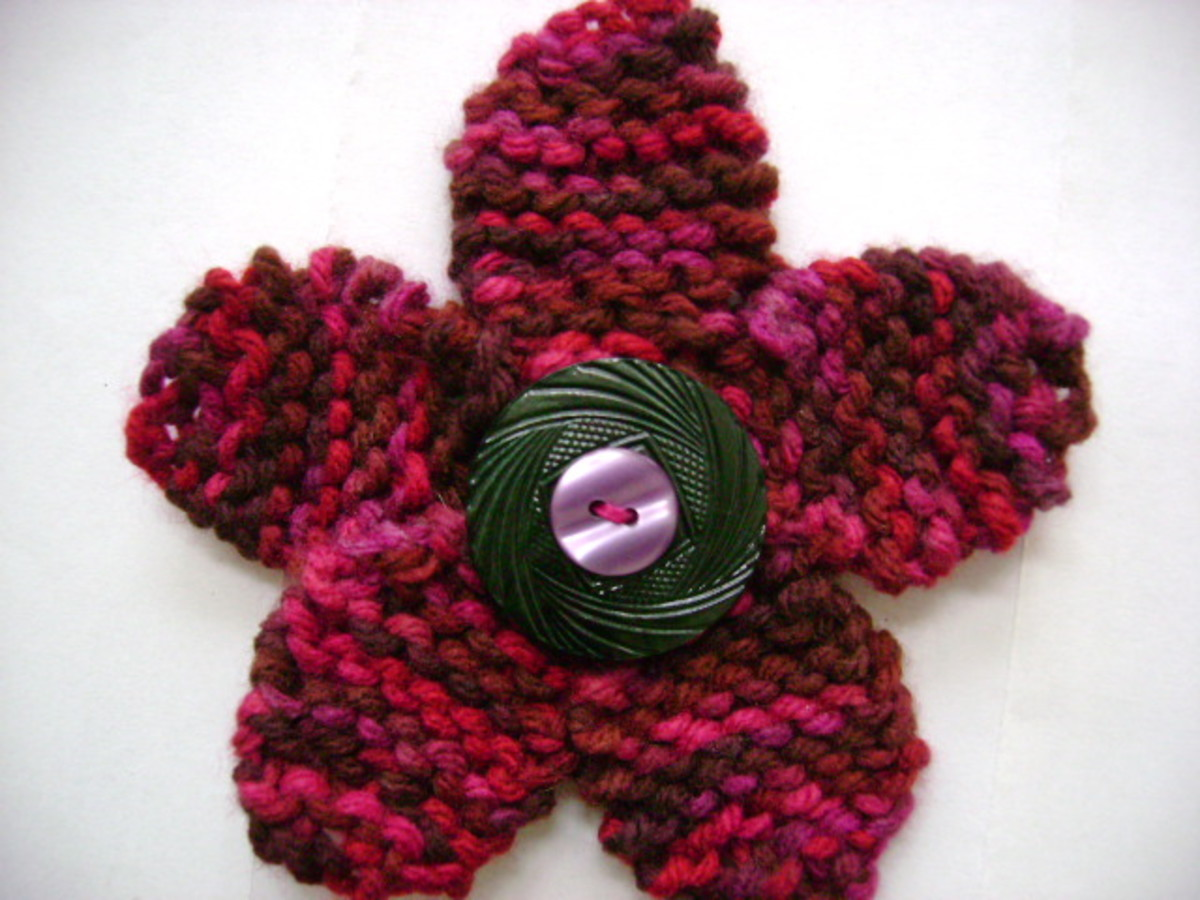 finished flower pin  (c) purl3agony 2012