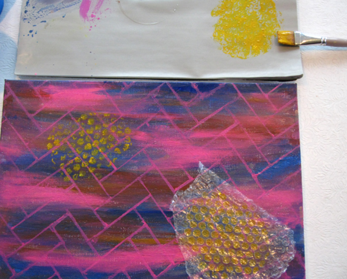 Use the bubble wrap to paint polka dots