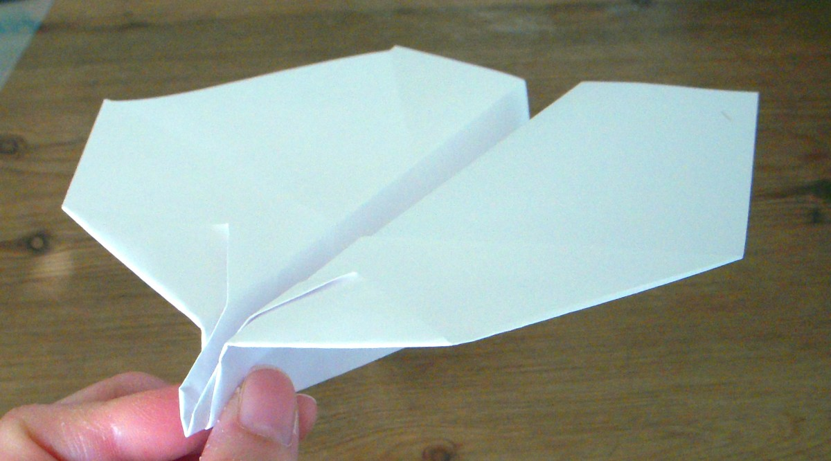 Origami-style plane has few folds, dependable easy style.