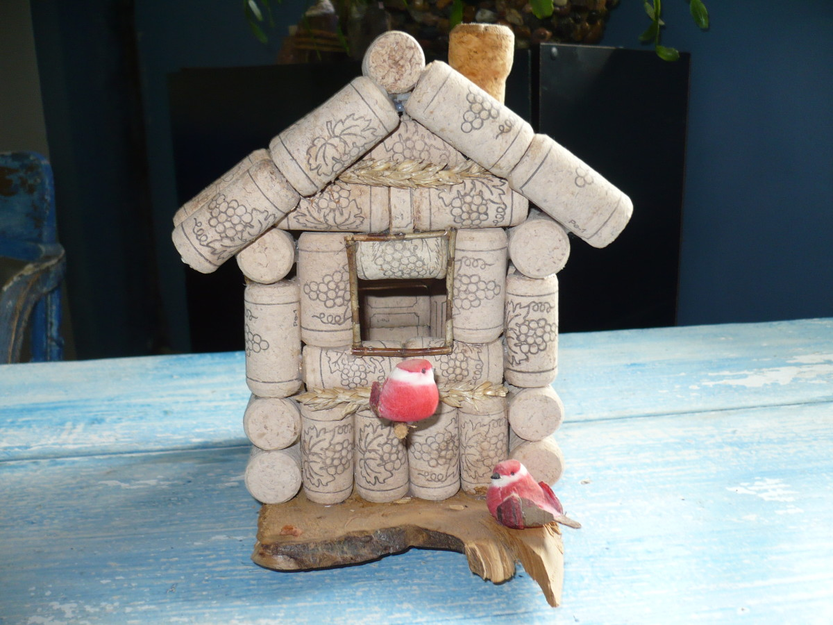 Front view of cork Bird house