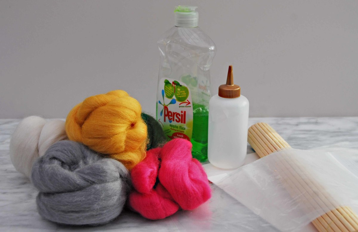 Merino Wool Roving (Botany Waste) and necessary Tools