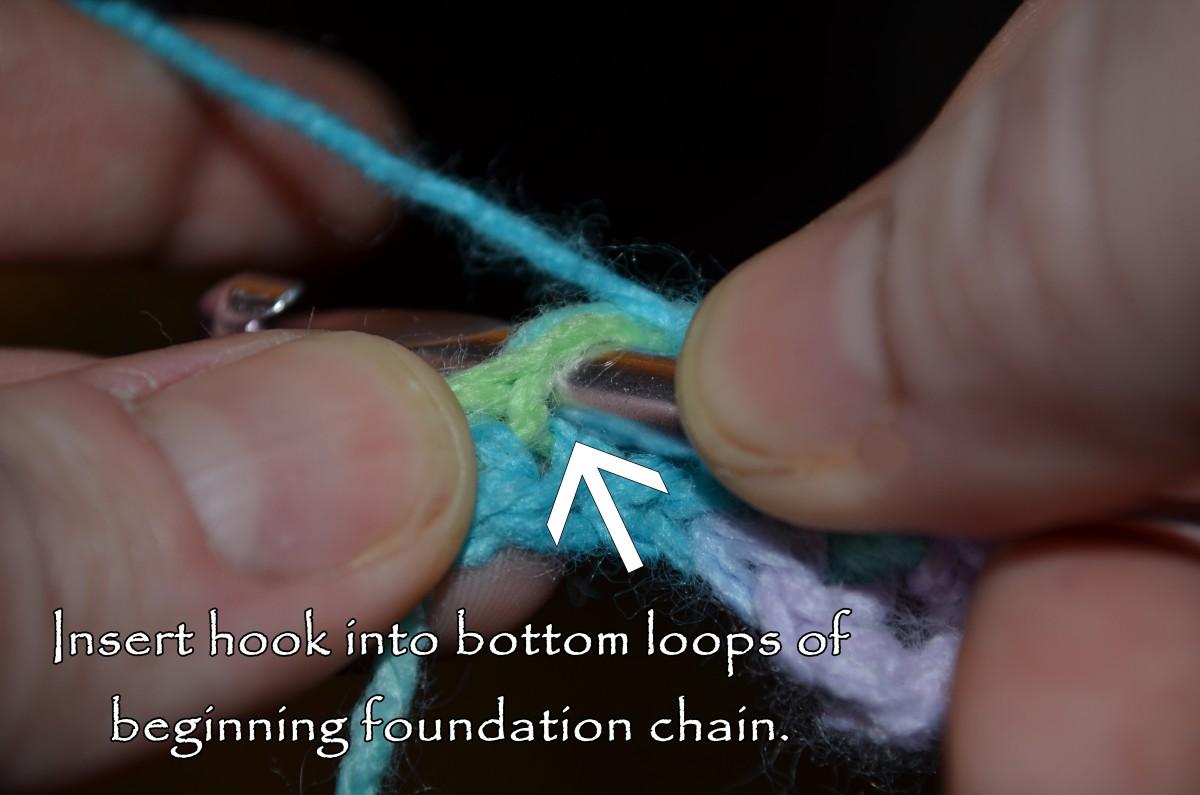 Insert hook into bottom loops of beginning foundation chain.