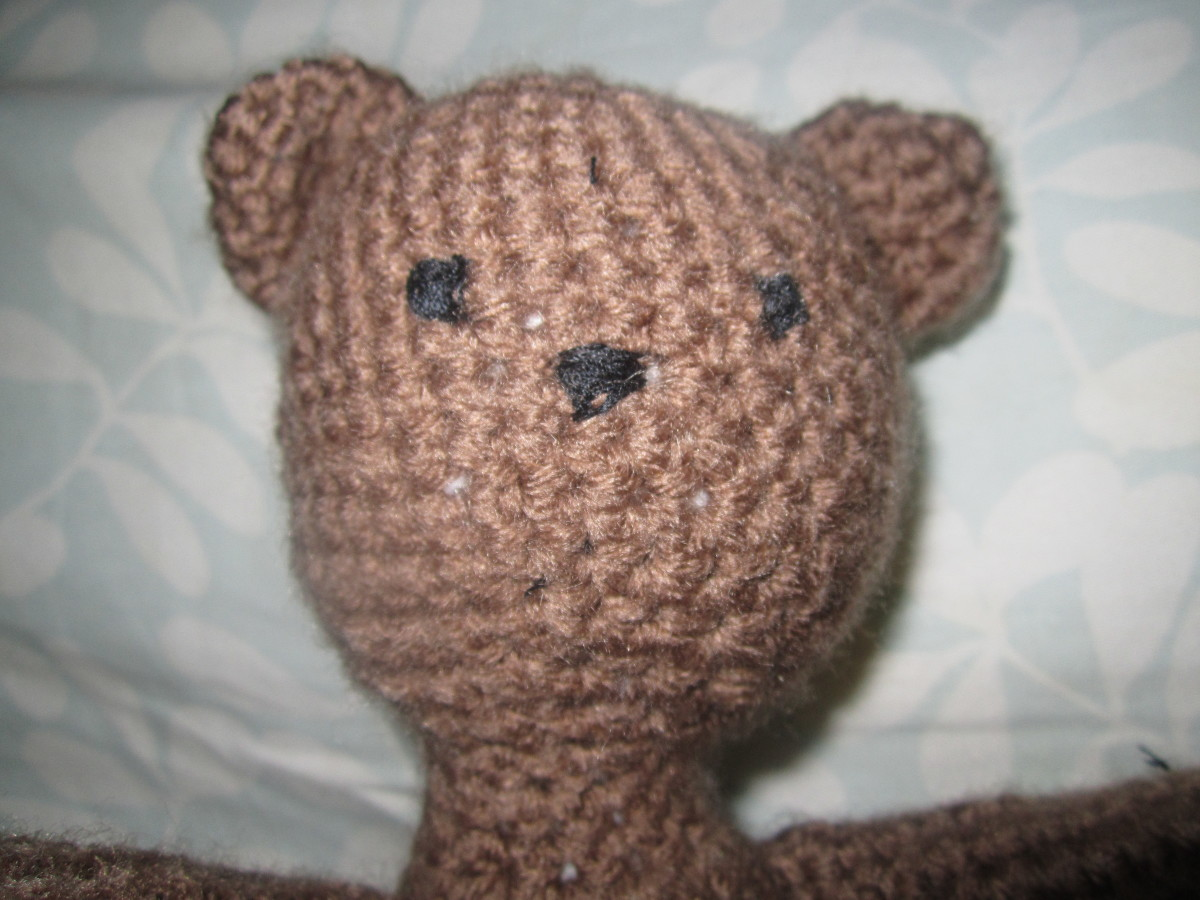 I kept things super simple on this bear's face because the details are going to be in what he's holding.