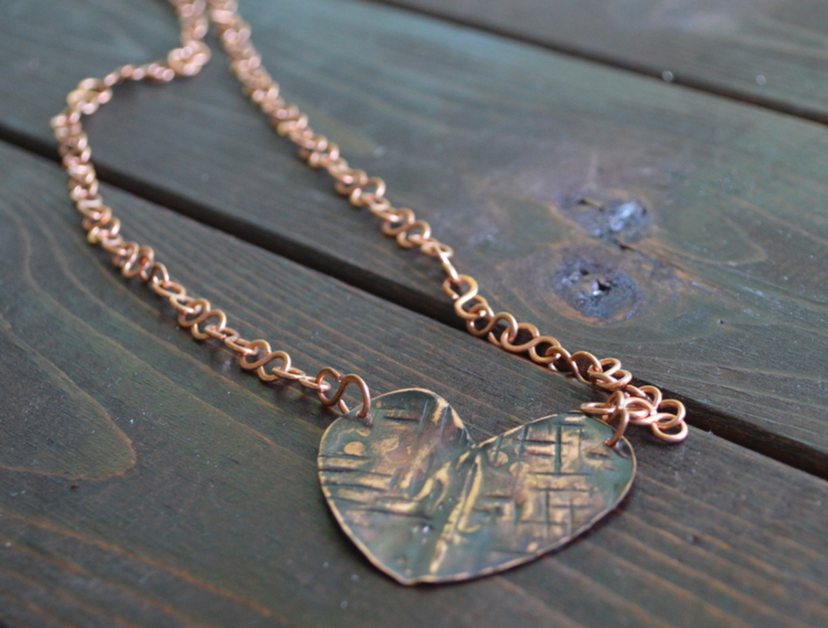 Metalwork heart necklace