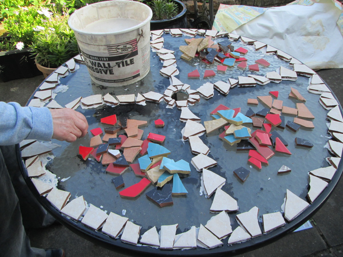 How to create a Mosaic design for a garden table