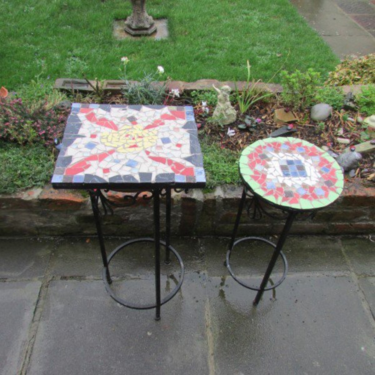 How to make Mosaic designs on tables