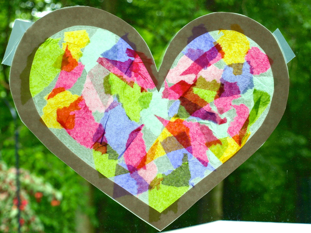 A fun toddler craft project: Suncatcher with a border.