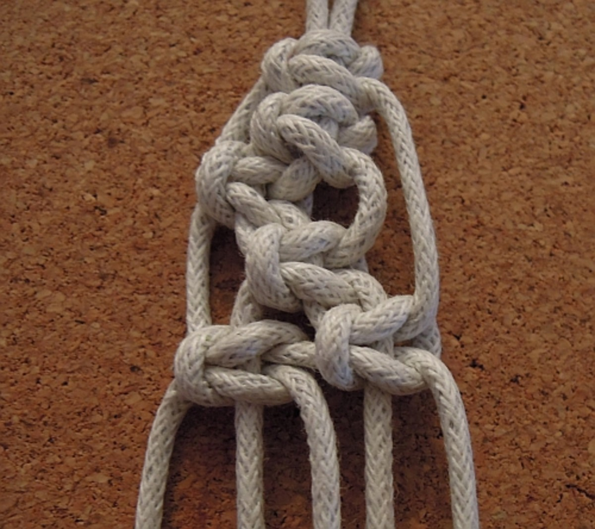 Alternating square knots