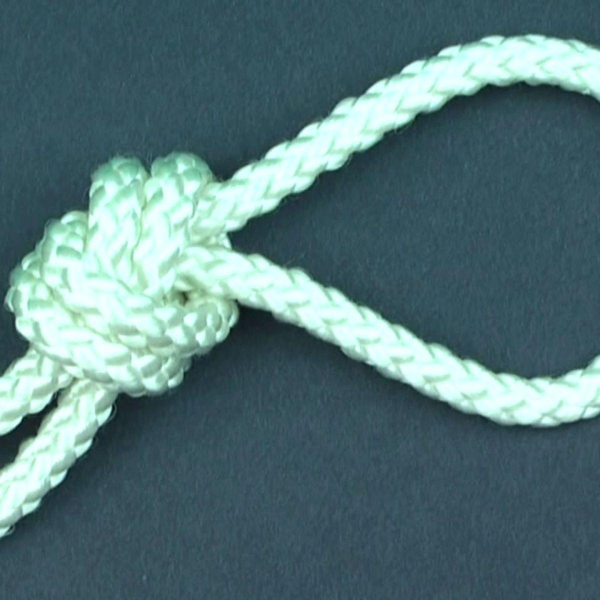 An overhand knot
