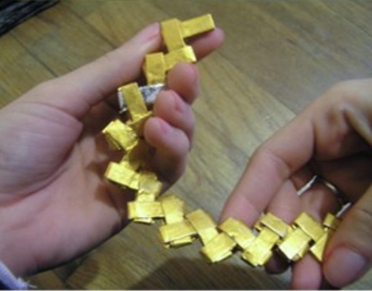 Gum Wrapper Chain Purse | 387x496