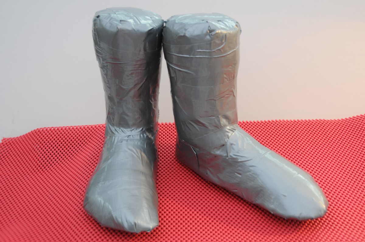 Duct tape shoe lasts.  Please follow the link to the first part of this tutorial.