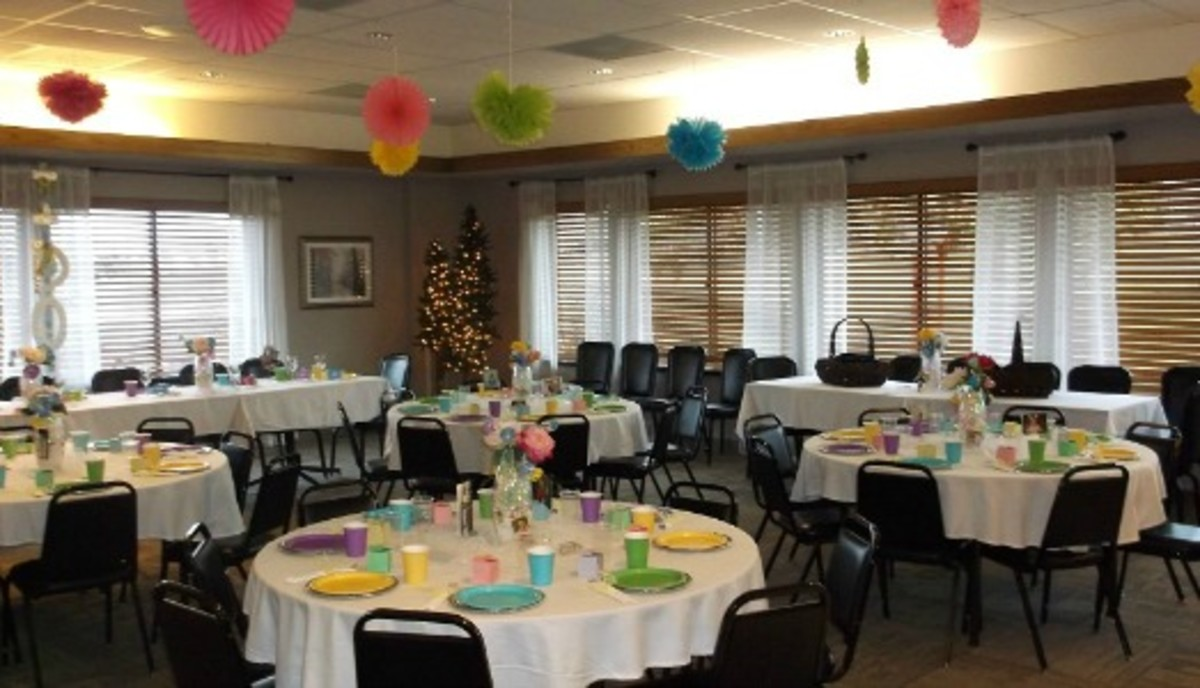 Madi's shower was held at the country club in Hartington. I think that the colorful plates and cups gave the room a very festive look.