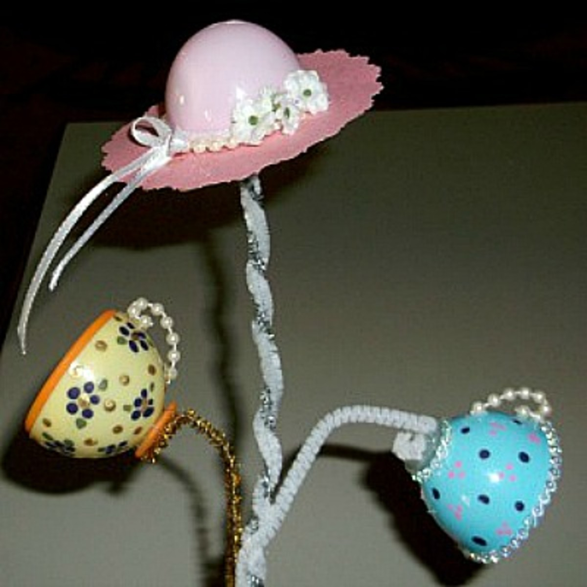 making-teacups-and-hats-using-plastic-eggs