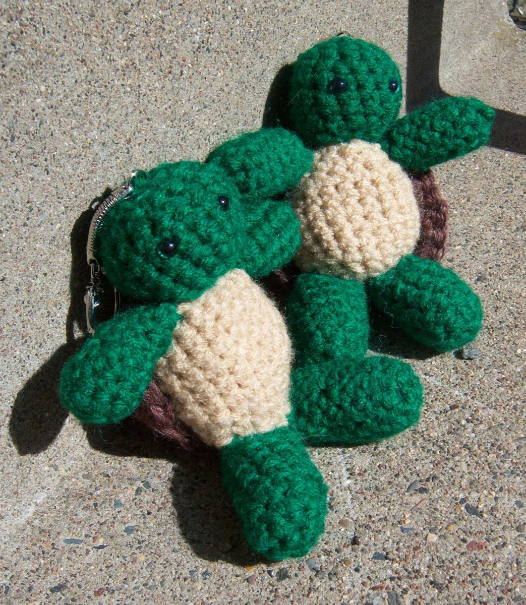 How to Crochet a Turtle Keychain