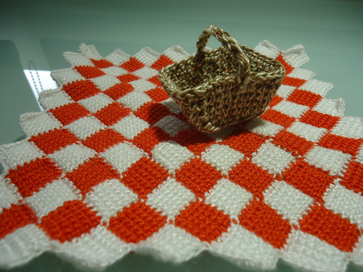 Doll Picnic Accessories - Picnic Basket & Entrelac Picnic Blanket