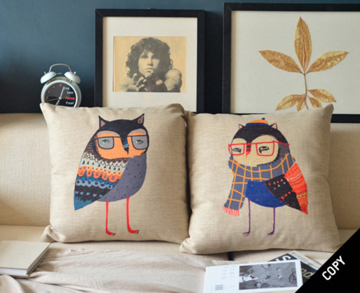 These cushions from DHGate.com also look strangely familiar...