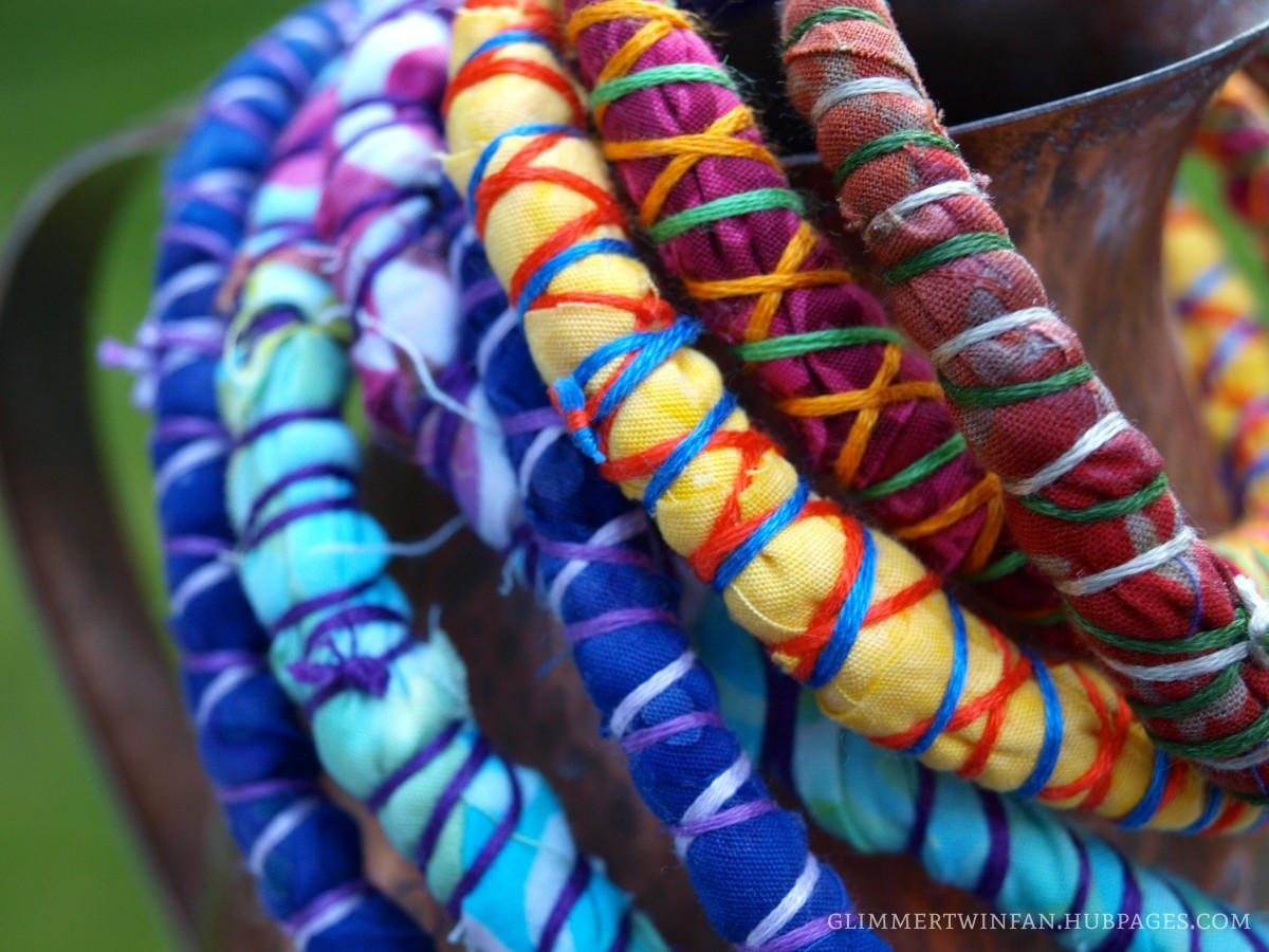 Any color combination of fabric and embroidery thread works with these beautiful bracelets and necklaces.  They are like eye candy!
