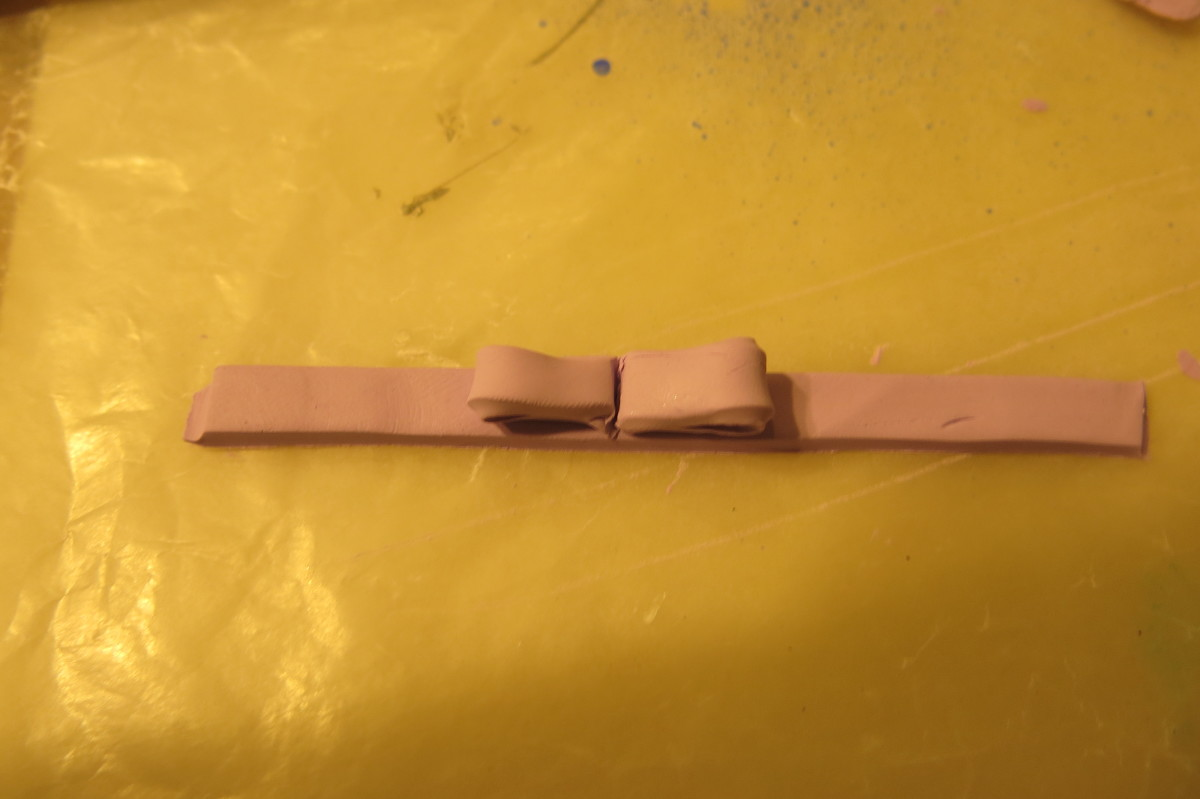 making a polymer clay bow for your box