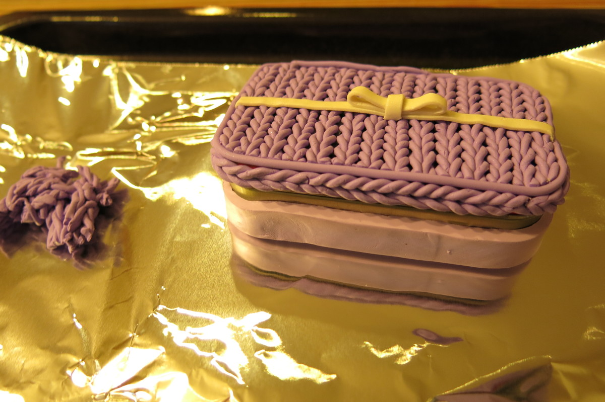 "Baking your ""knit stitch"" polymer clay box"