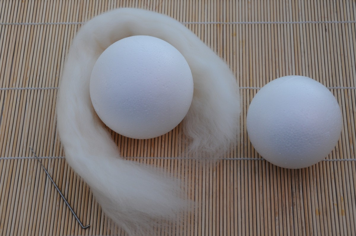 Polystyrene Balls and White Merino Wool Roving