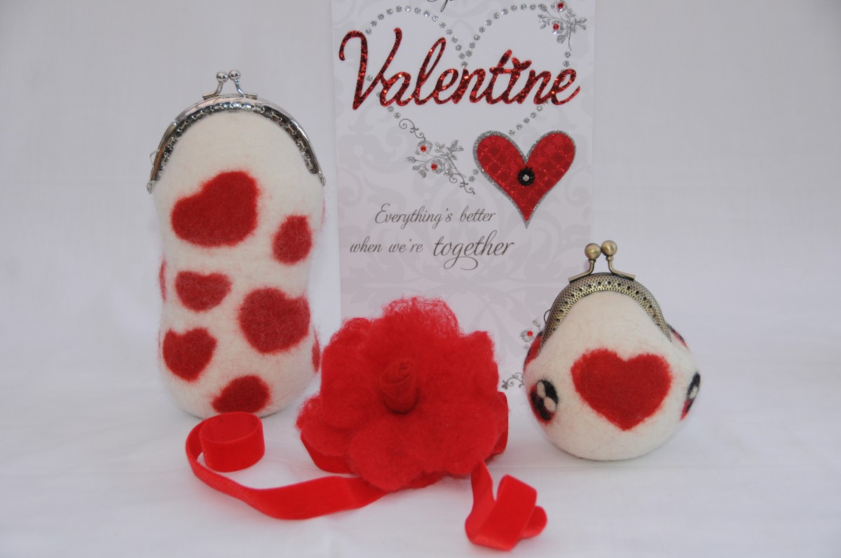 Wet felted/Needle Felted Spectacle/Glasses case with Coin purse, decorated WITH hearts and tny ladybugs for Valentine's Day