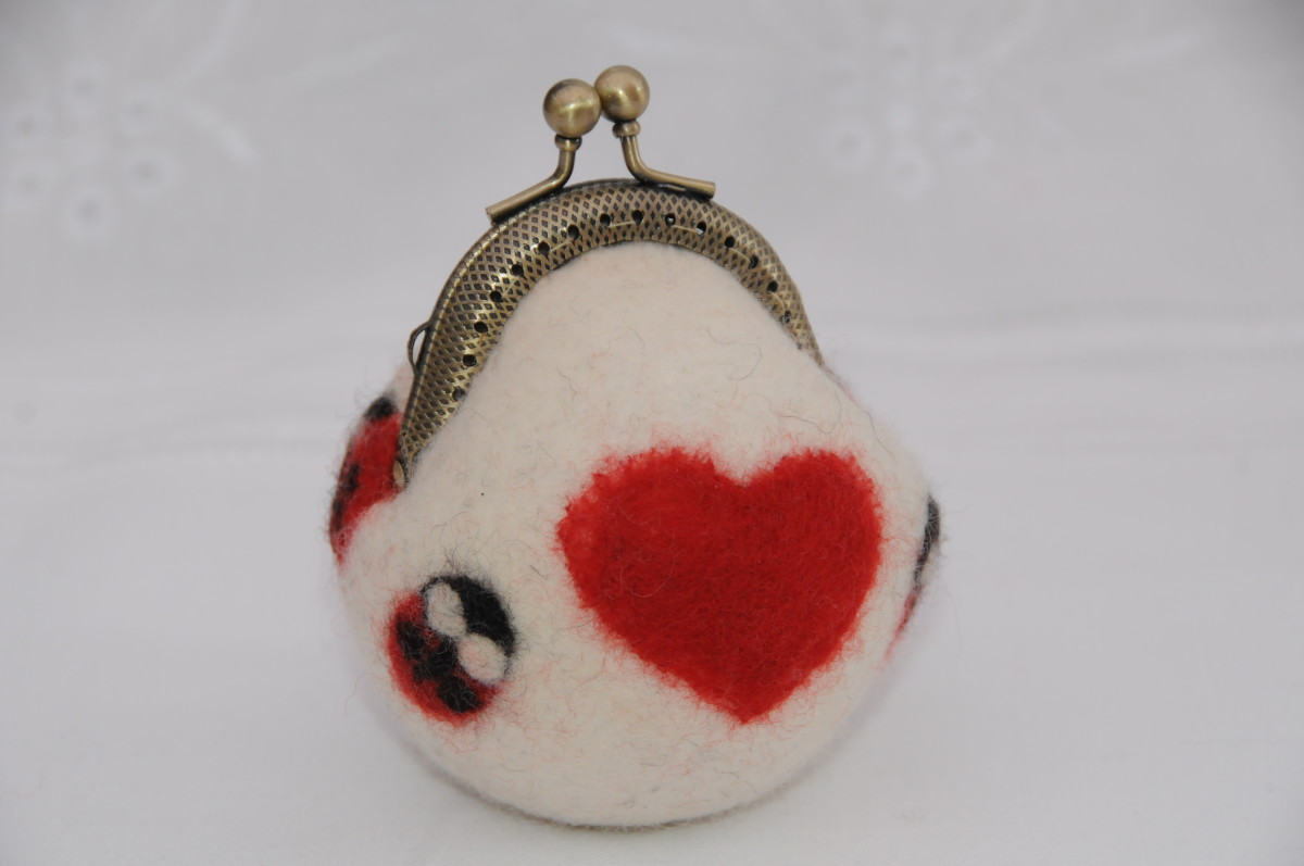 The completed coin purse