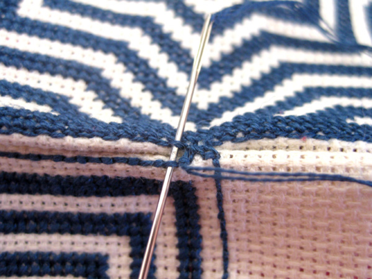 Beginning the whip stitch around a corner, top to bottom.