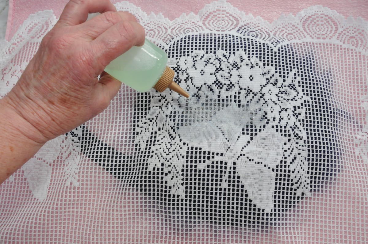Wetting the wool with hot soapy water