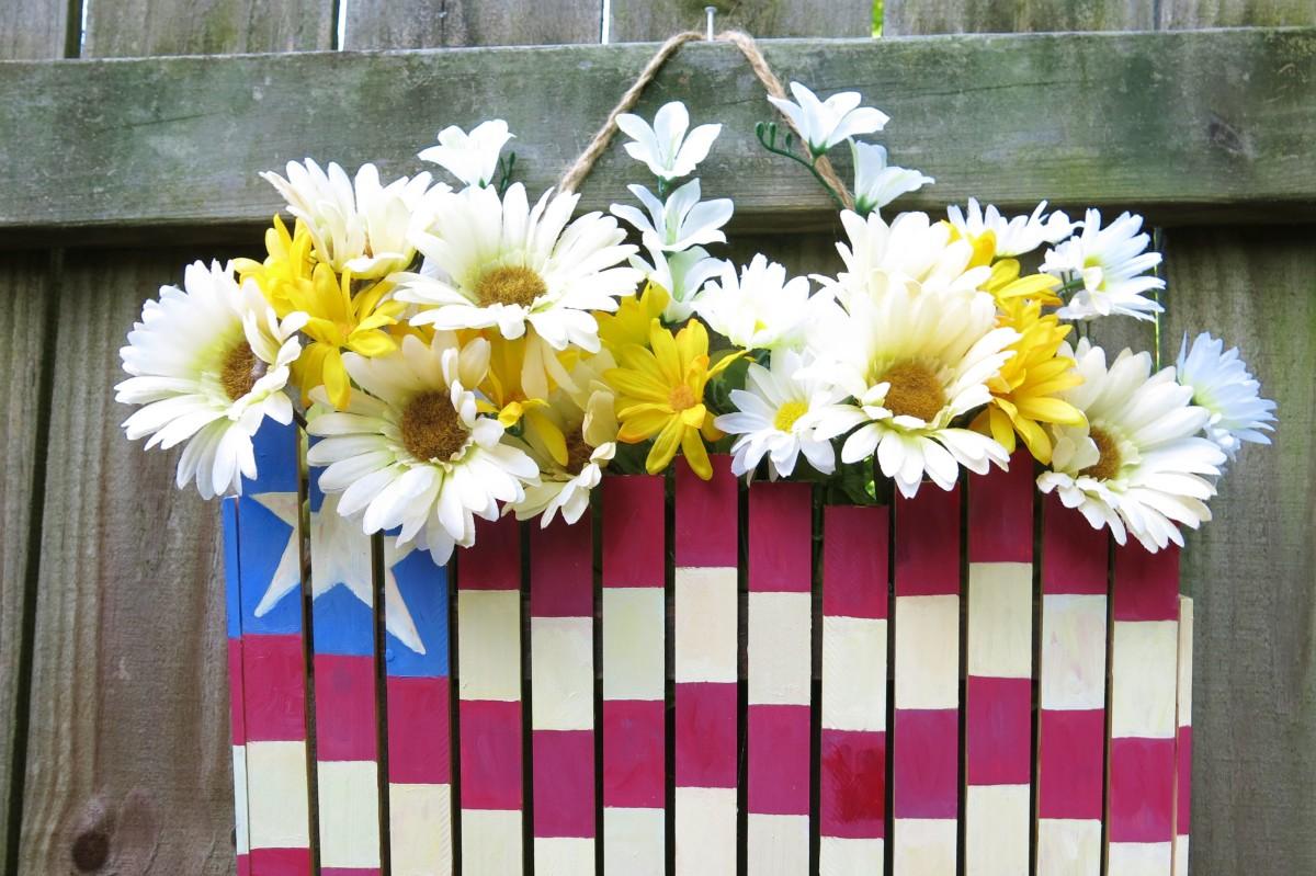 diy-craft-tutorial-4th-of-july-patriotic-flag-door-or-wall-decoration