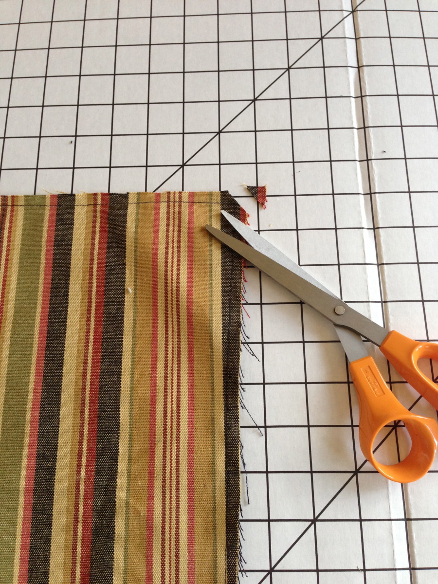 Although there was barely any excess fabric here, it is a good idea to clip the corners to reduce bulk once turned right-side-out.