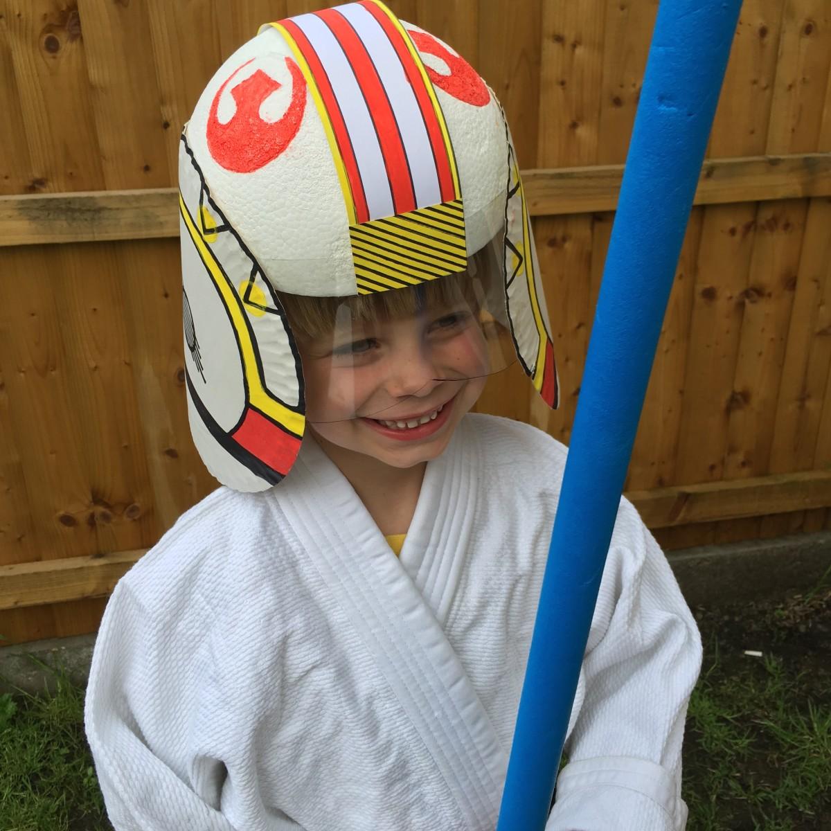 DIY Star Wars X-Wing Fighter Pilot Helmet Tutorial
