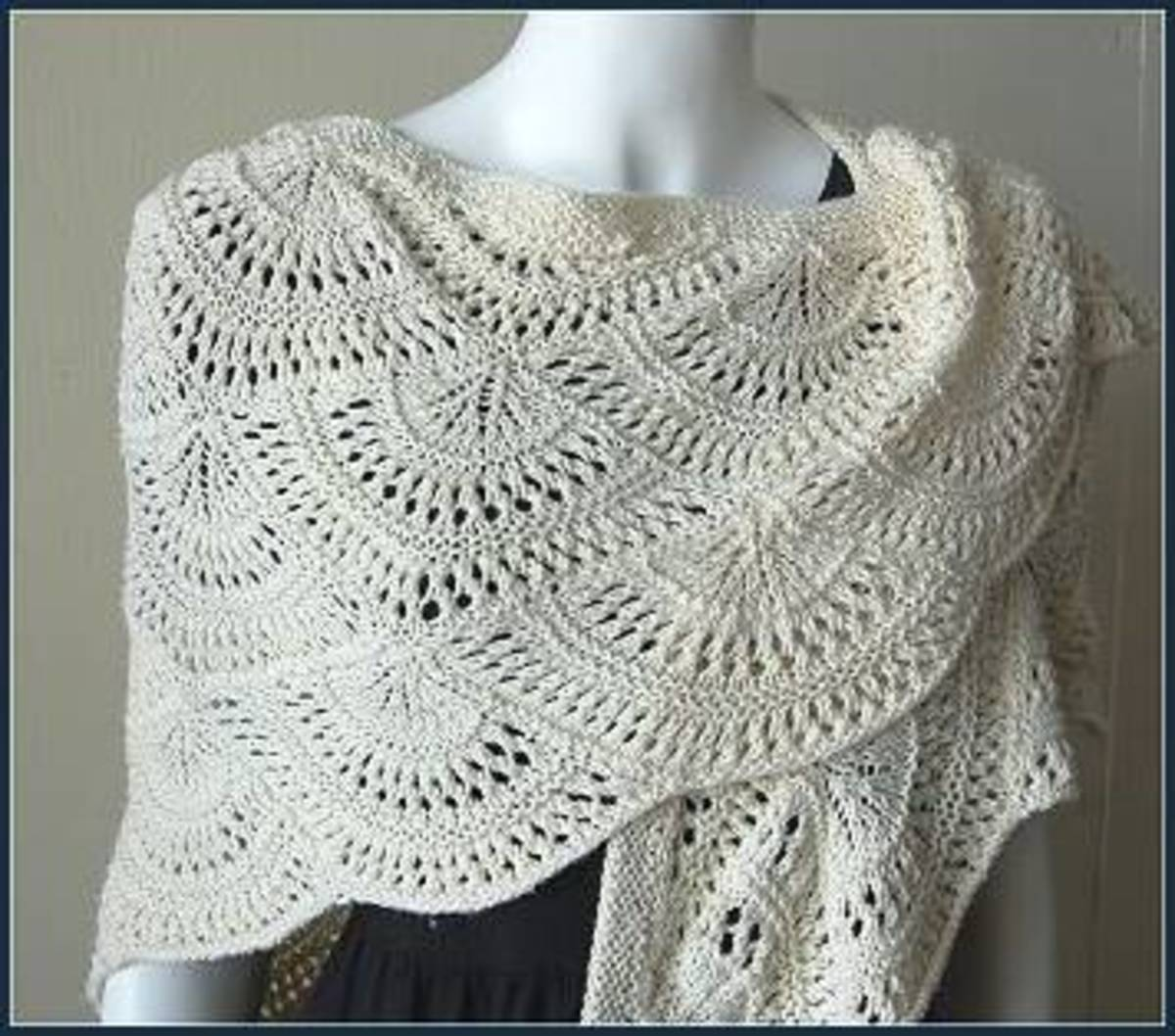 Beginner Lace Scarf Knitting Pattern : How to Knit Lace - Beginner Knit Scarf FeltMagnet