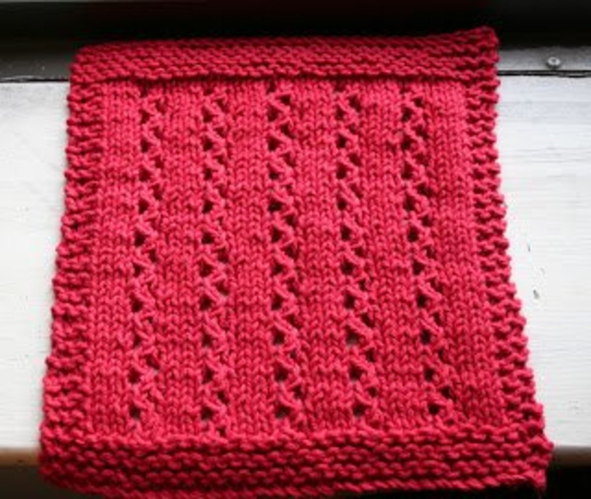 Lace Dishcloth Knitting Pattern : How to Knit Lace - Beginner Knit Scarf FeltMagnet