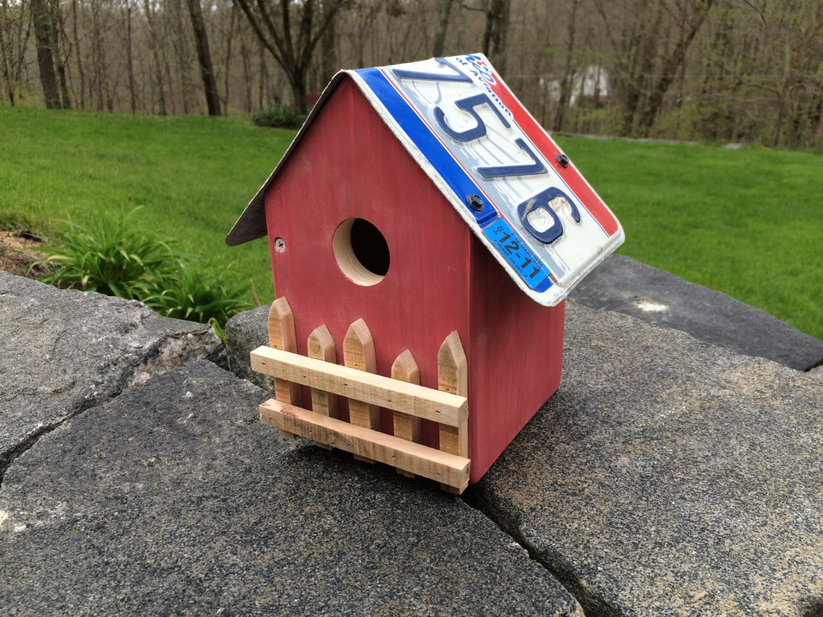 The Country Cottage Birdhouse