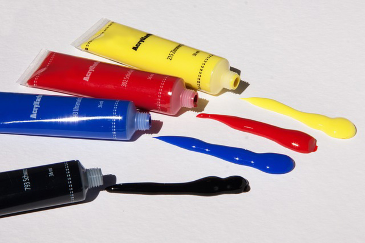 Acrylic paints are available in tubes or bottles.