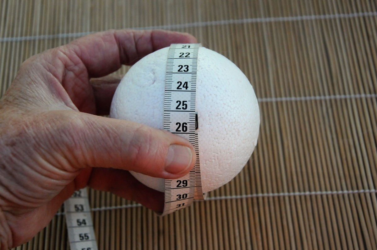 A Polystyrene Ball which has a circumference of 25 cm.  Shrinkage is likely to be around 30%.