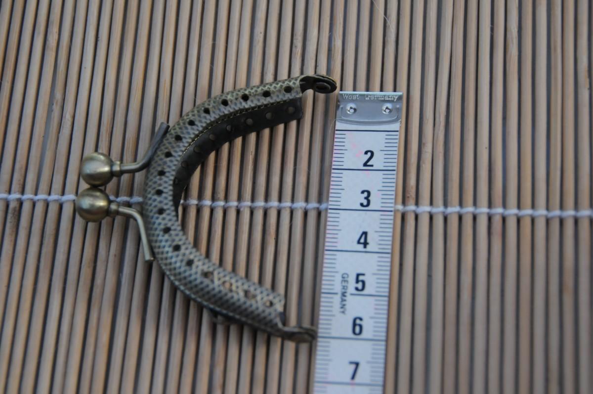The Coin Purse frames should measure 6 cm across