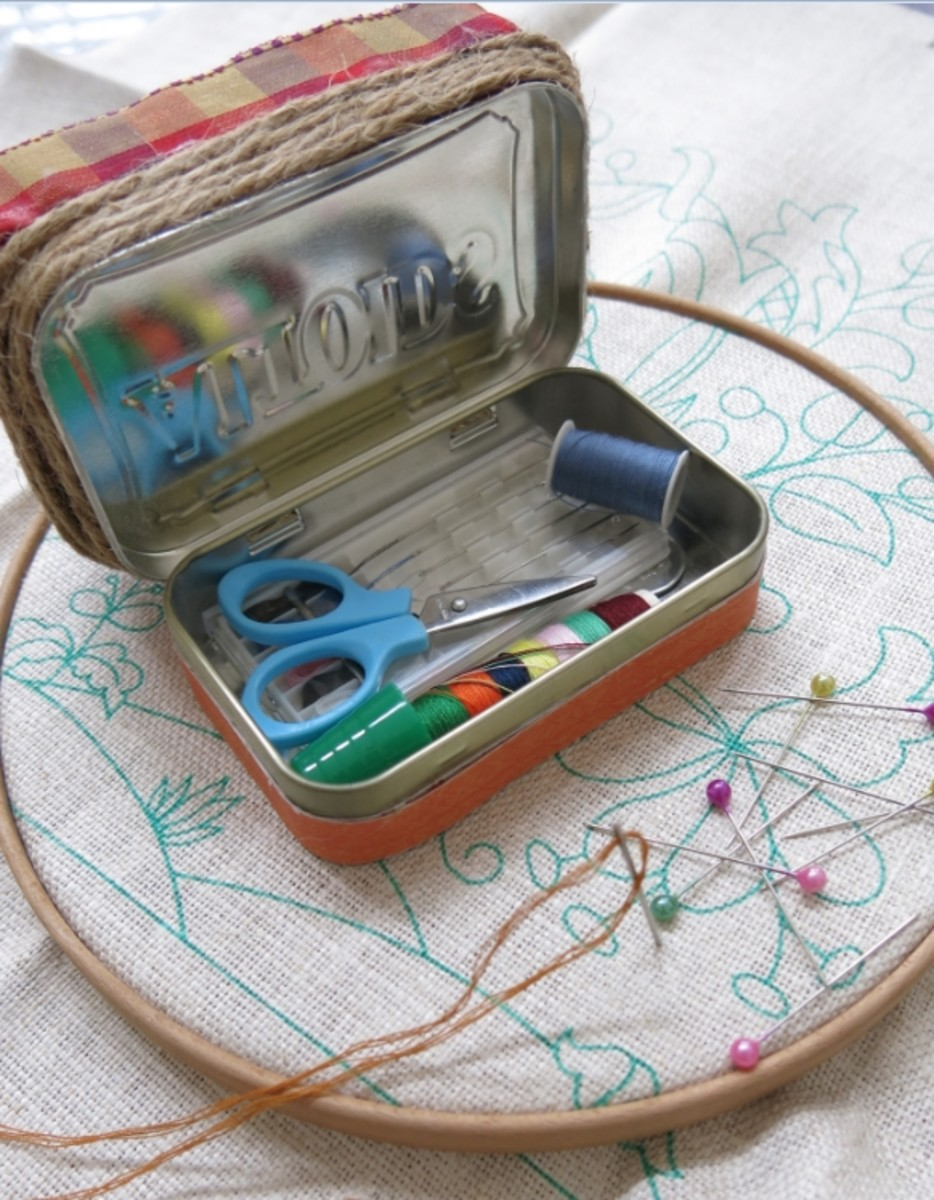 Little boxes and tins make wonderful pincushions because they also have storage for small sewing notions