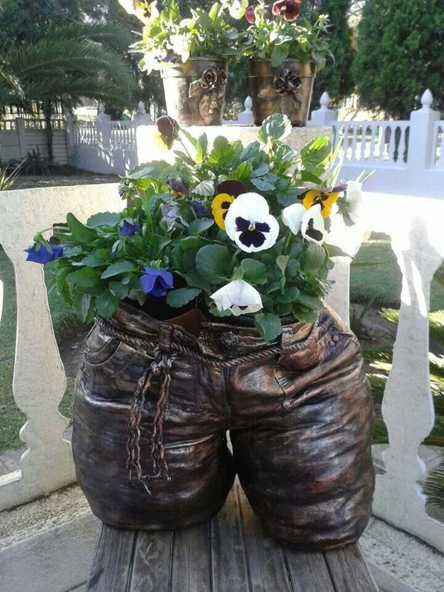 Preserved baby pants used a planter