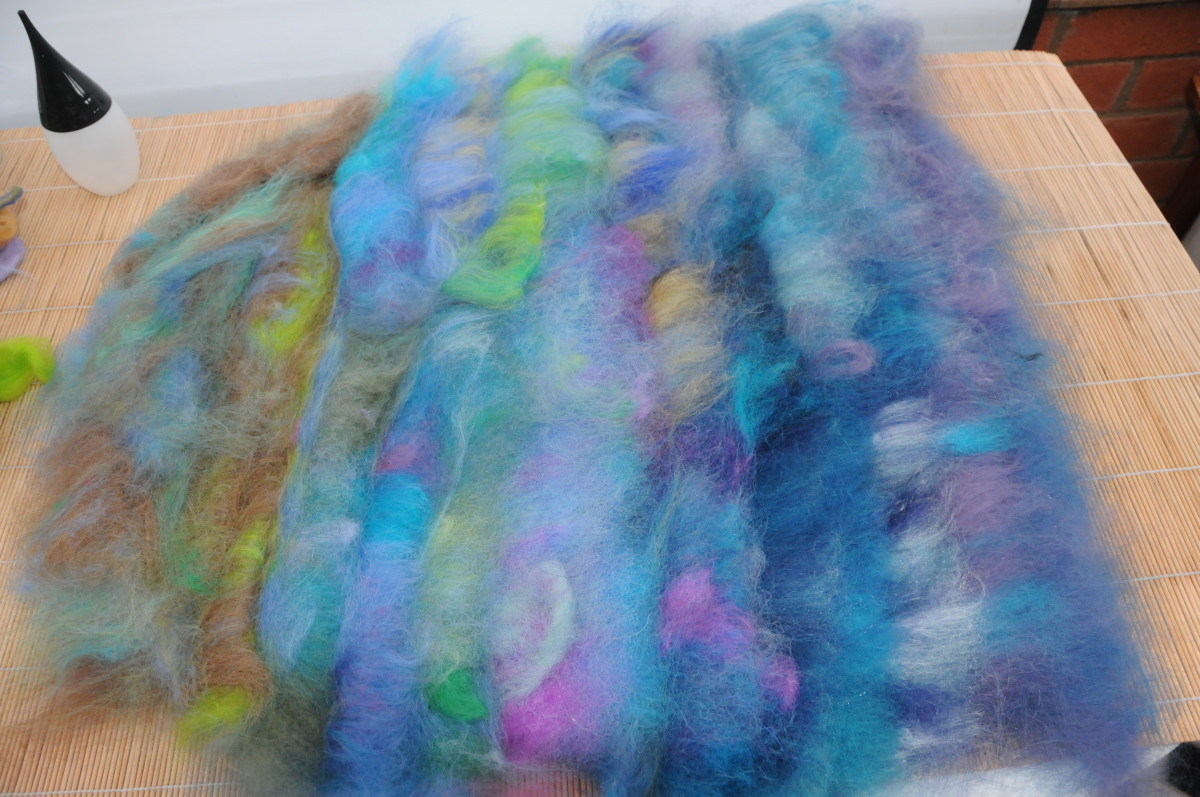 The second side almost covered in a thick layer of merino fibers