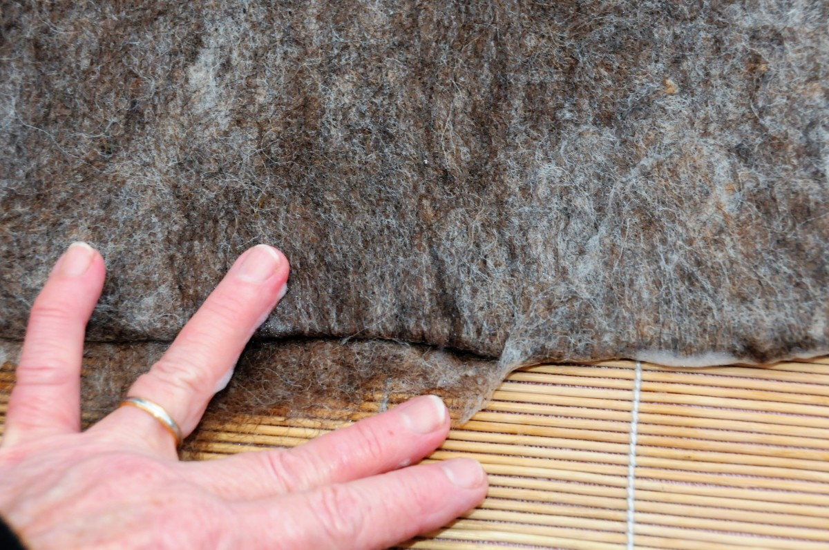 how-to-wet-felt-a-hat-on-a-multi-way-bell-hat-shaper