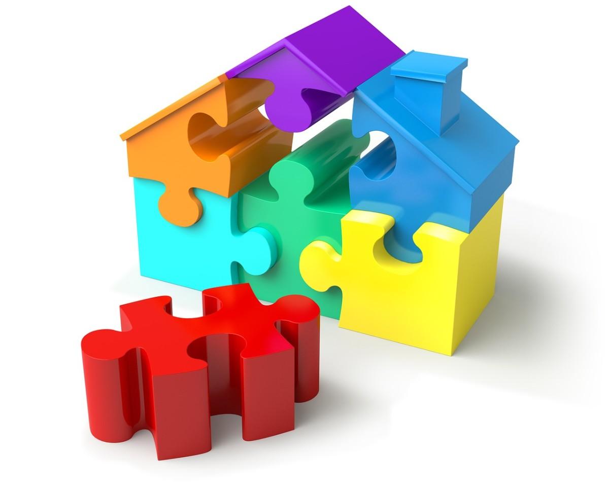 3D Plastic House Puzzle.
