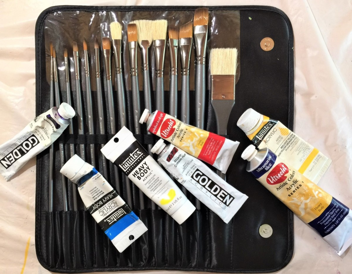 My D'Artisan Shoppe paint set and some of the paint tubes that I have used for this project.