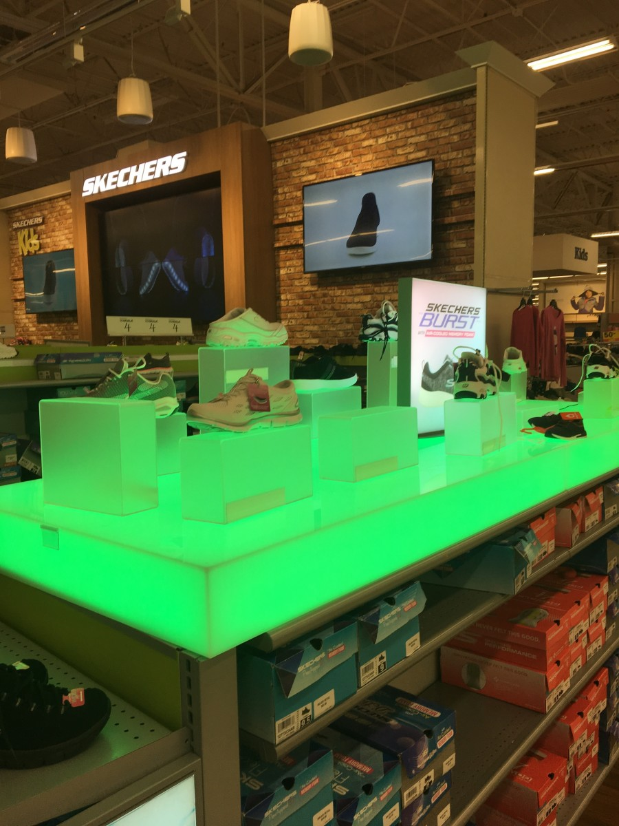 LED luminated acrylic shoe display