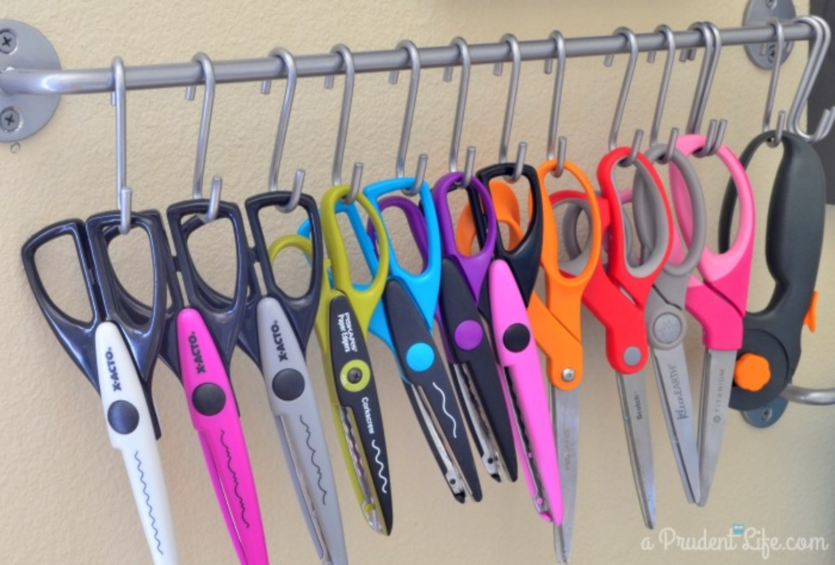 Neat and efficient way to store your decorative scissors