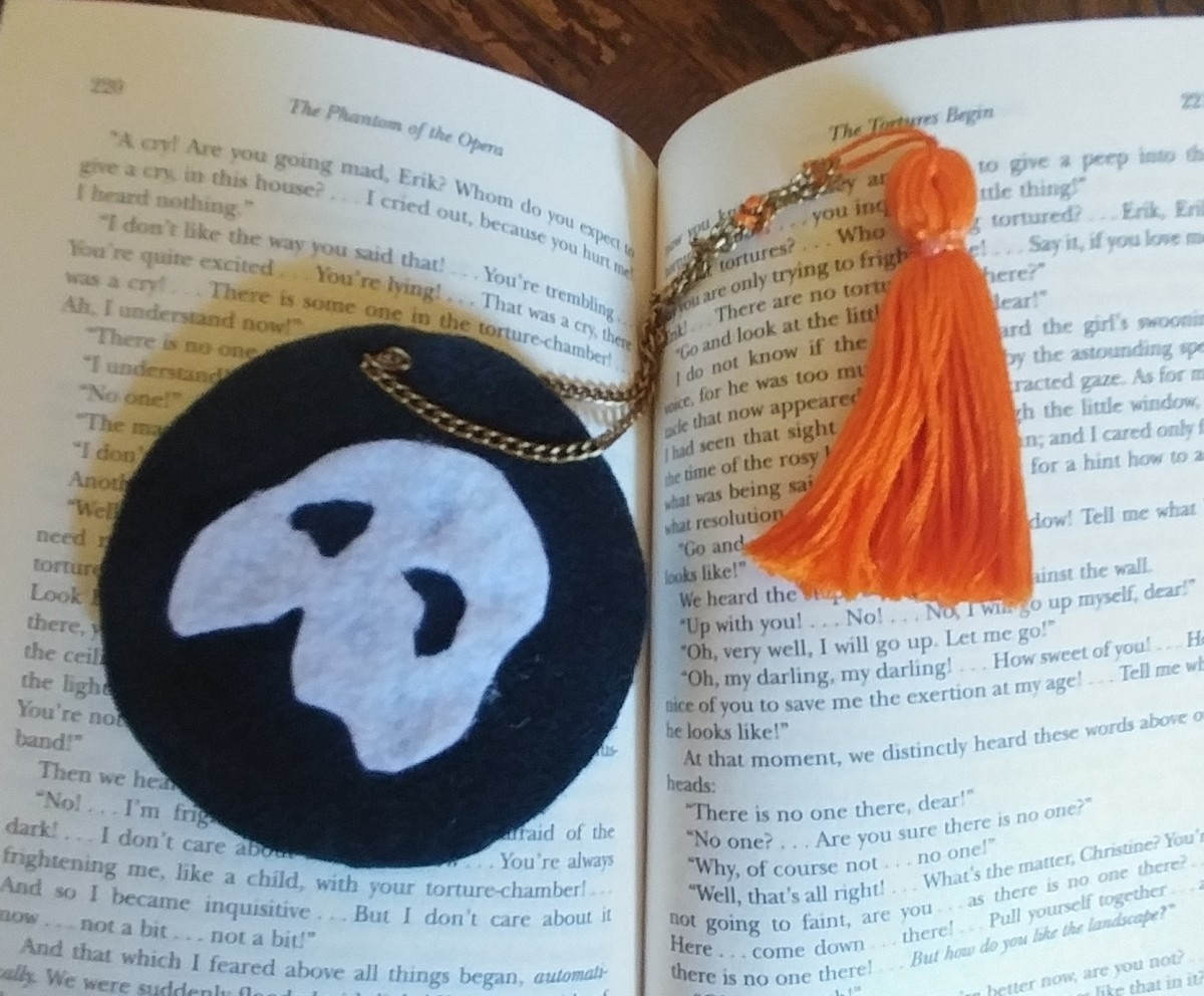 A round shaped bookmark is a unique craft to keep in a book.