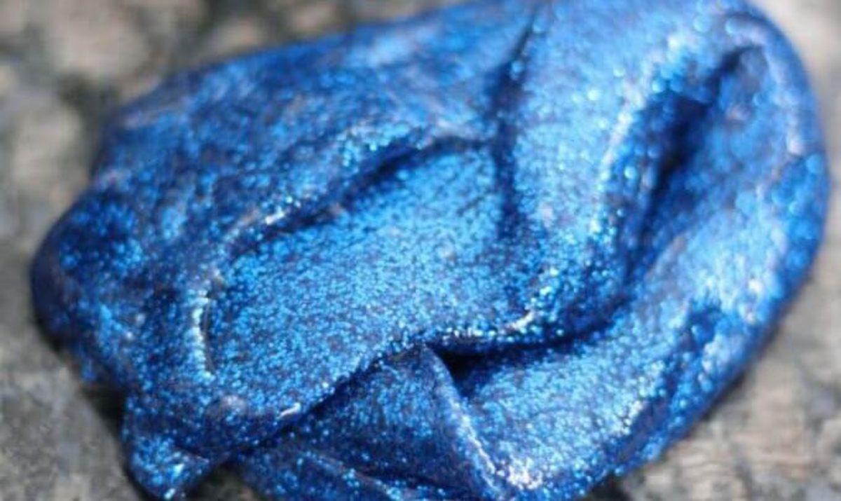 Shimmering glitter slime for galactic fun!