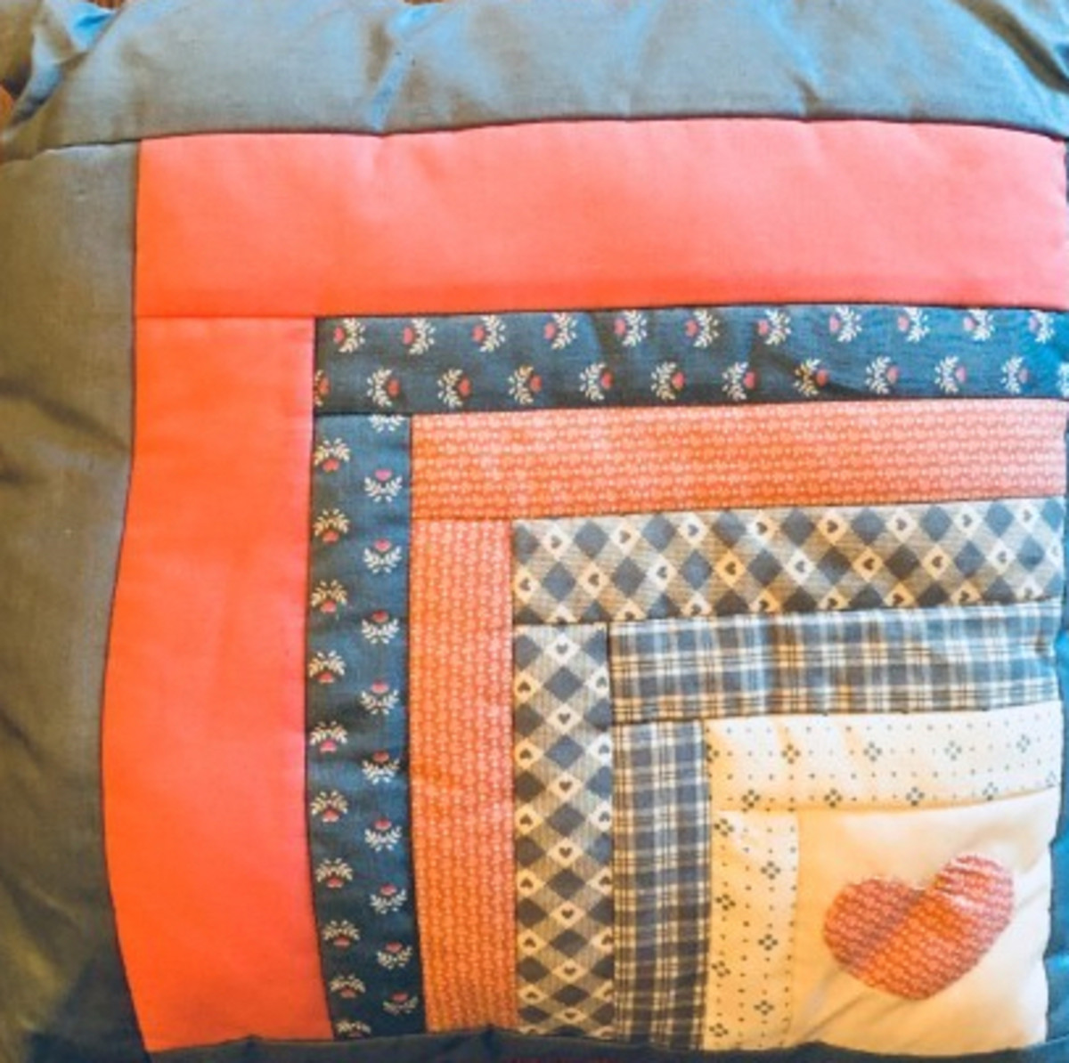 The finished pillow.