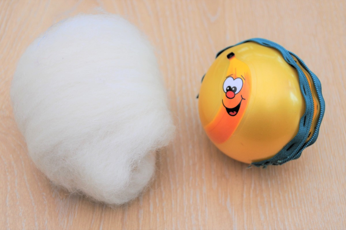 White Merino wool and the prepared ball.