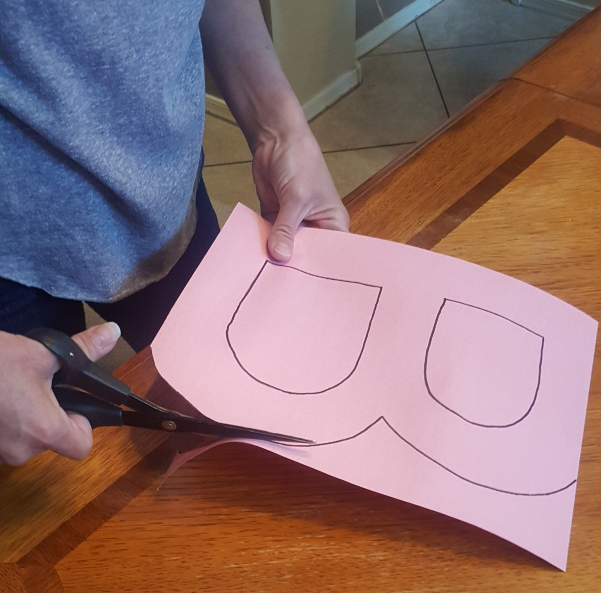 """figure A - Cut out the letter """"B"""""""